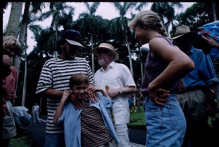 This image has an empty alt attribute; its file name is jurassic-park-bts-10.jpg