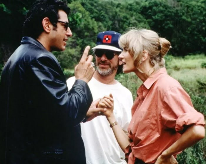 This image has an empty alt attribute; its file name is jurassic-park-bts-23.jpg