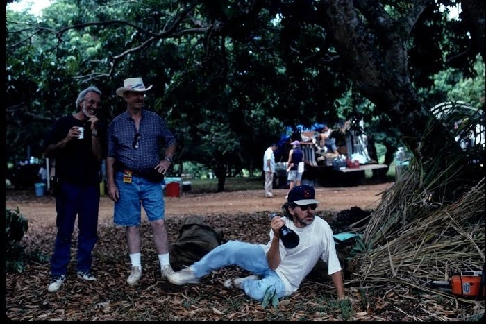 This image has an empty alt attribute; its file name is jurassic-park-bts-26.jpg