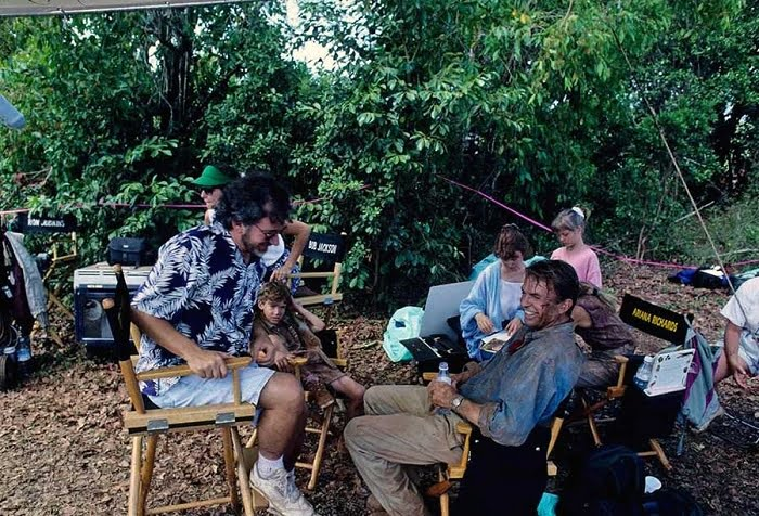 This image has an empty alt attribute; its file name is jurassic-park-bts-7.jpg